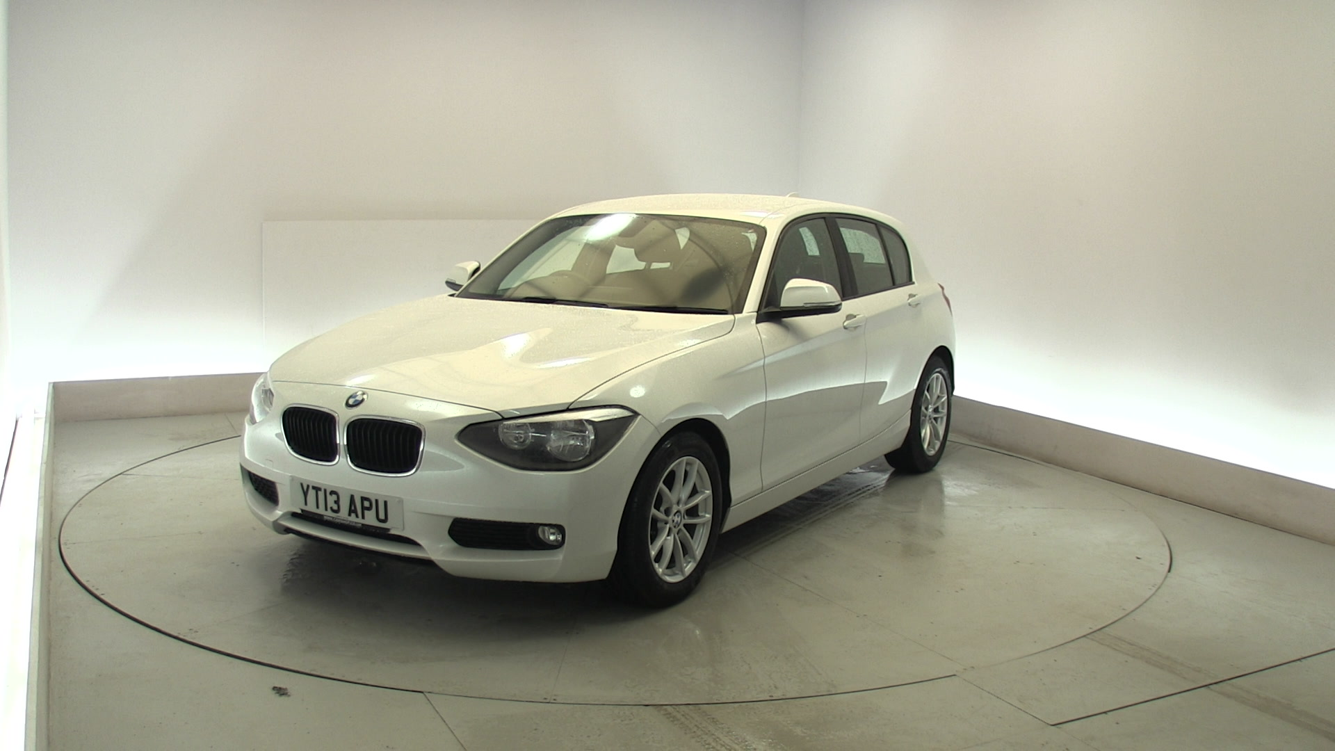 used bmw 1 series 116d efficientdynamics 5dr white yt13apu northampton. Black Bedroom Furniture Sets. Home Design Ideas