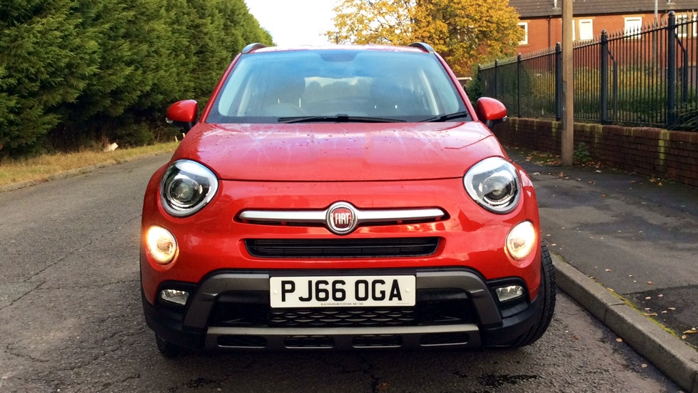 fiat 500x 1 6 multijet cross plus with sat nav and rear park assist diesel 5 door hatchback. Black Bedroom Furniture Sets. Home Design Ideas