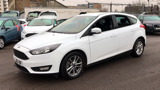 FORD FOCUS ZETEC HATCHBACK, PETROL, in WHITE, 2016 - image 2