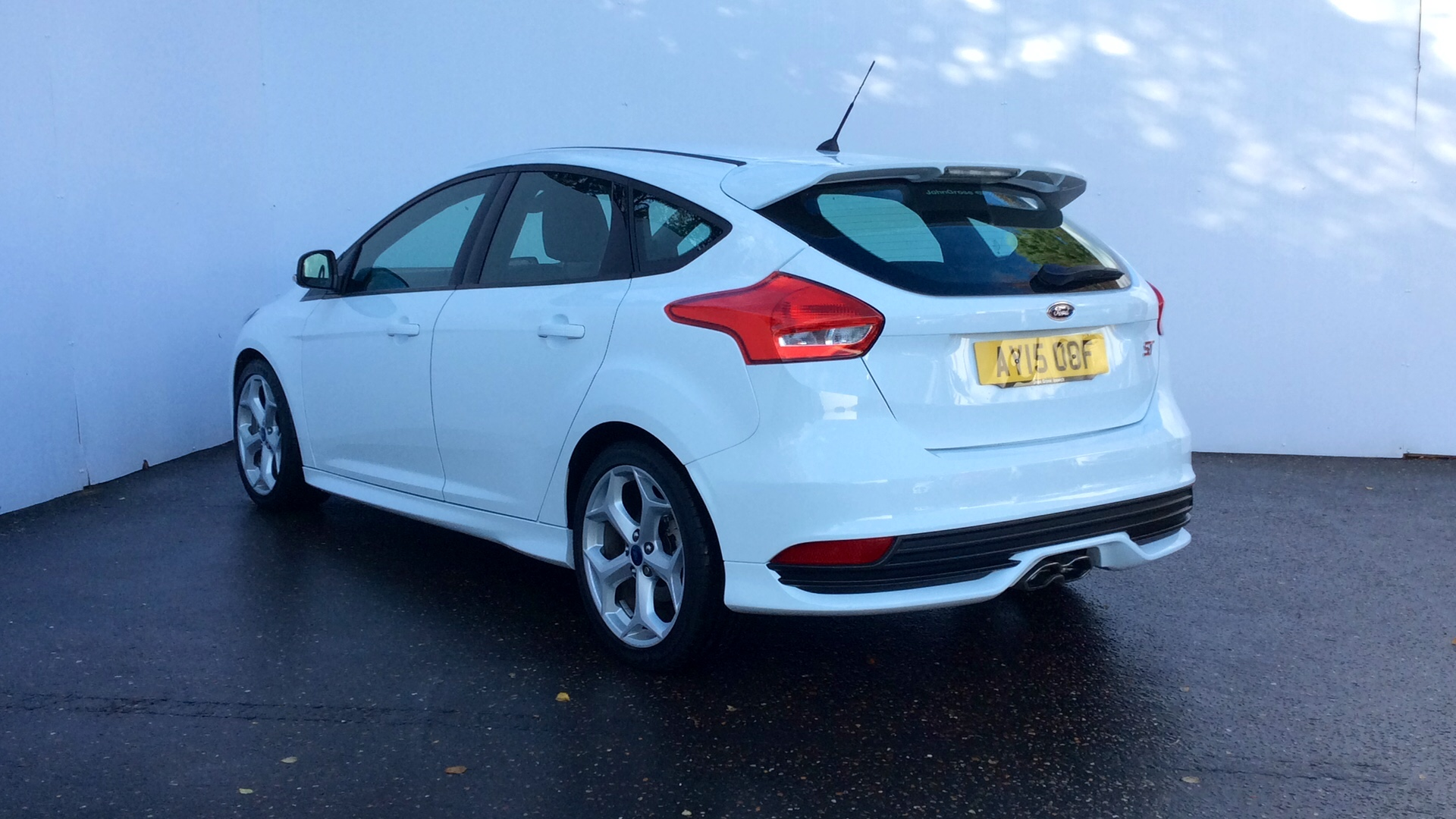 close ford focus 20 tdci 185 st 1 5dr hatchback diesel white