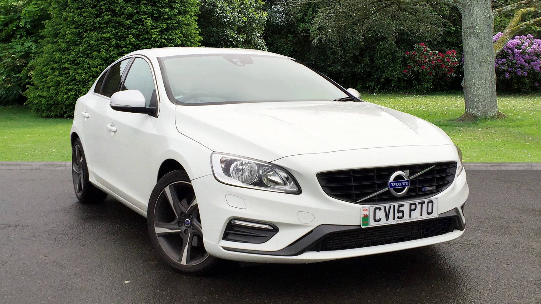 volvo s60 d2 r design 20 road tax used vehicle by lloyd. Black Bedroom Furniture Sets. Home Design Ideas