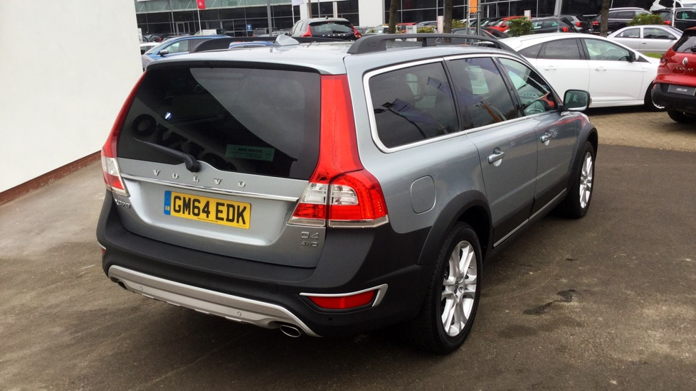 Approved Used Xc70 D4 Awd Se Lux Nav Auto Winter Pack Xenons Sensus Navigation Volvo Selekt